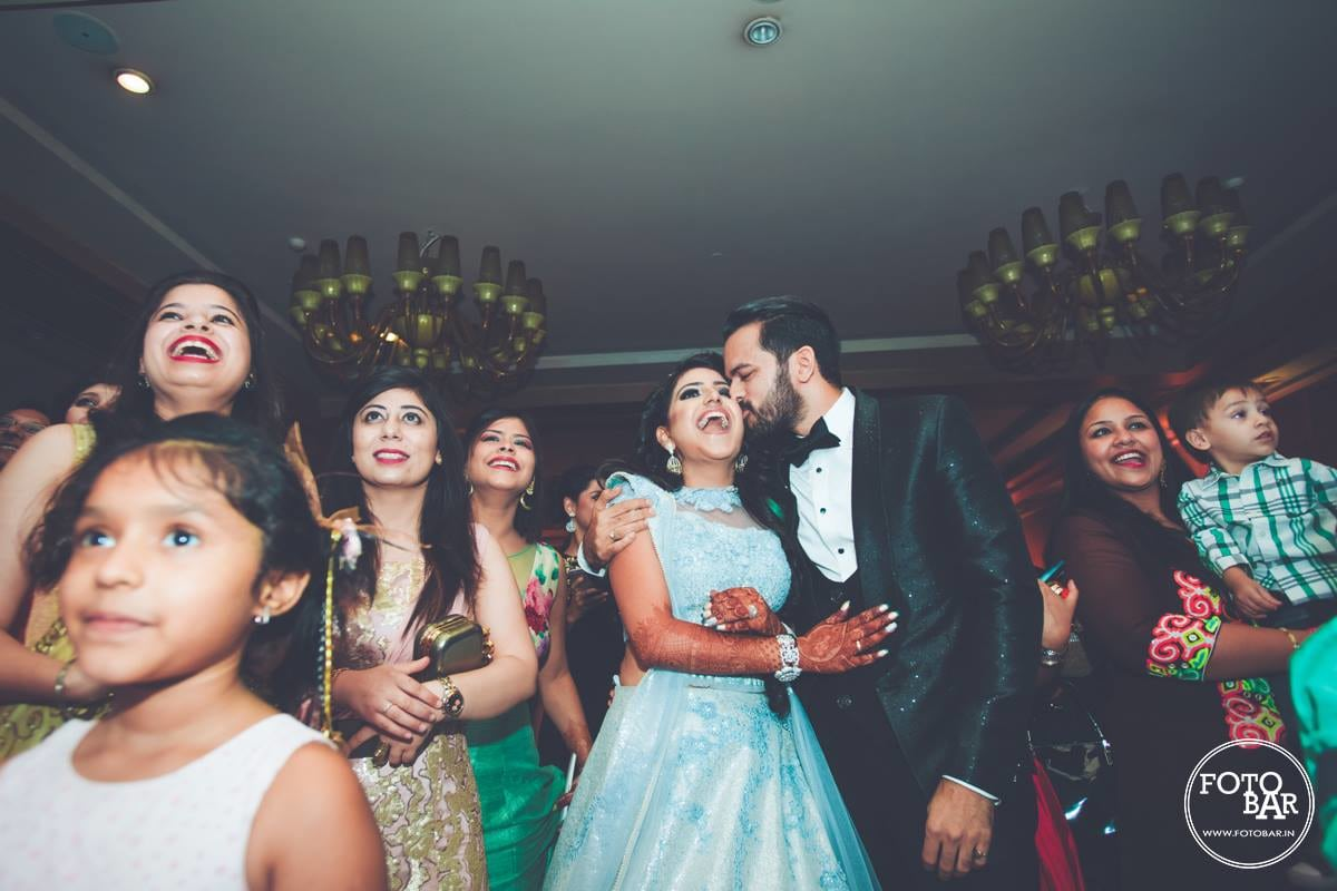 Adorable newlyweds by Fotobar Wedding-photography | Weddings Photos & Ideas