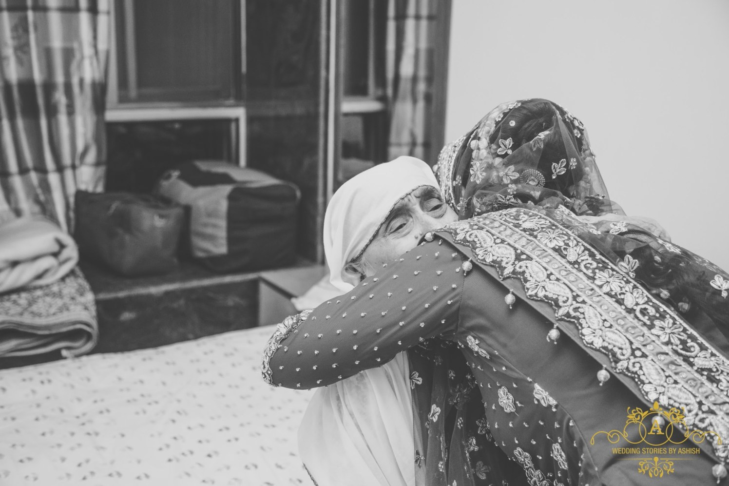 Sweet Moment With Grandfather by Ashish Vengurlekar Wedding-photography | Weddings Photos & Ideas