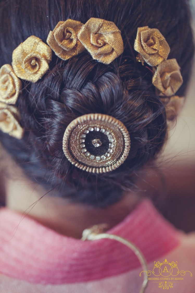 Bridal Hair Bun by Ashish Vengurlekar Wedding-photography Wedding-hairstyles | Weddings Photos & Ideas