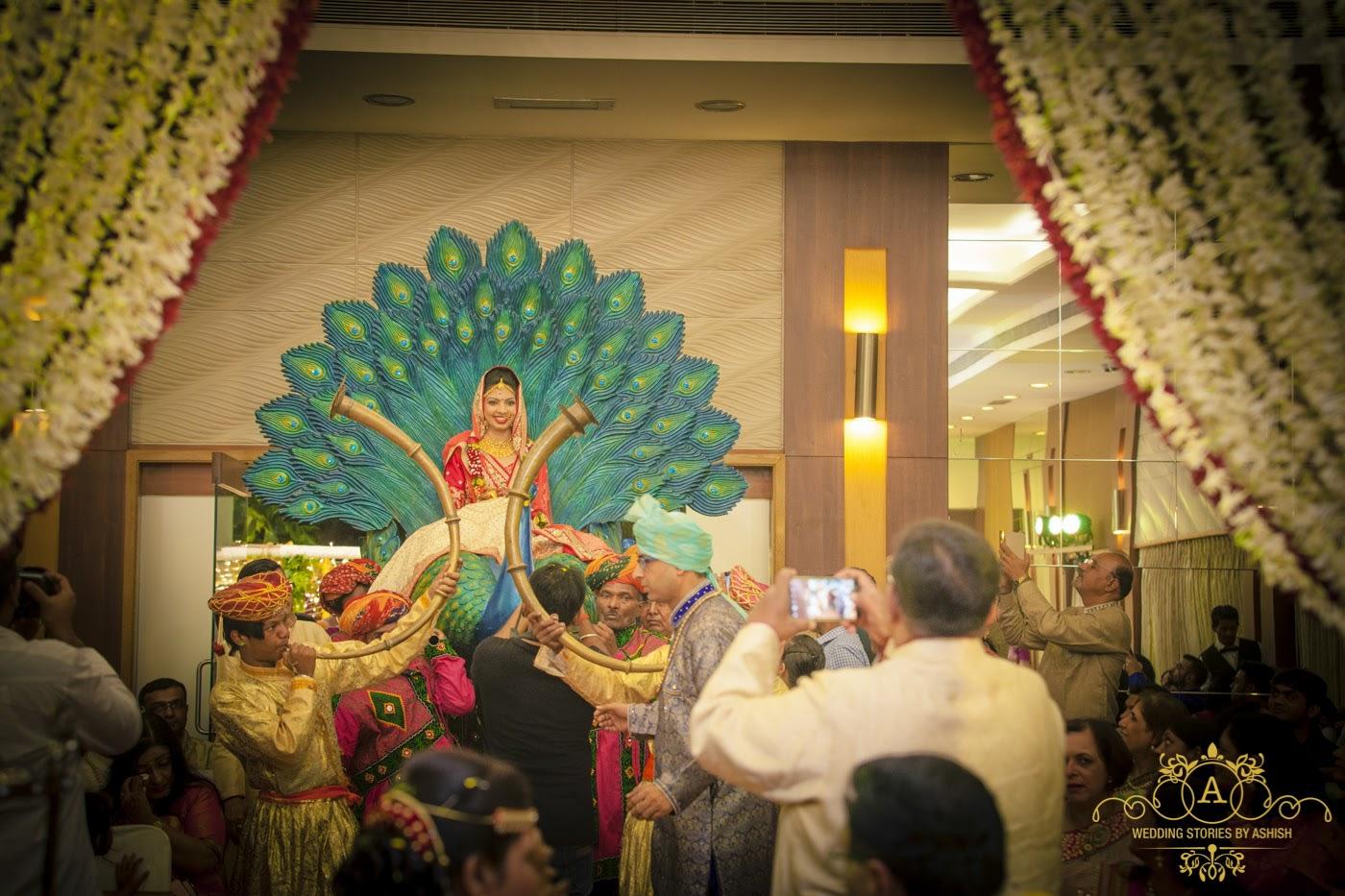 Bride Entring In A Royal Way by Ashish Vengurlekar Wedding-photography | Weddings Photos & Ideas
