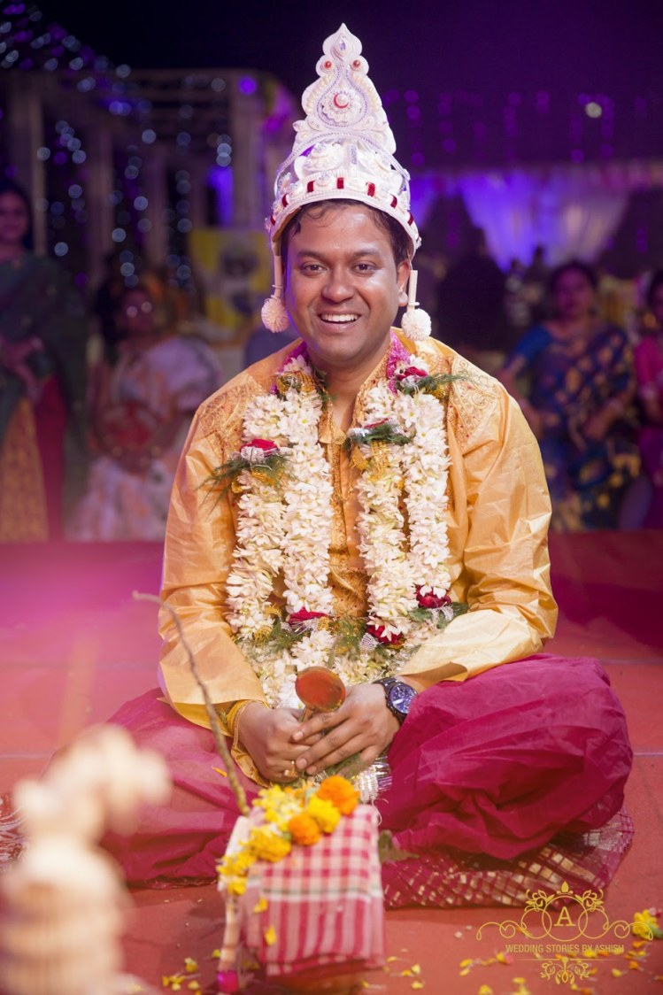 Bengali Groom At Mandap by Ashish Vengurlekar Wedding-photography | Weddings Photos & Ideas