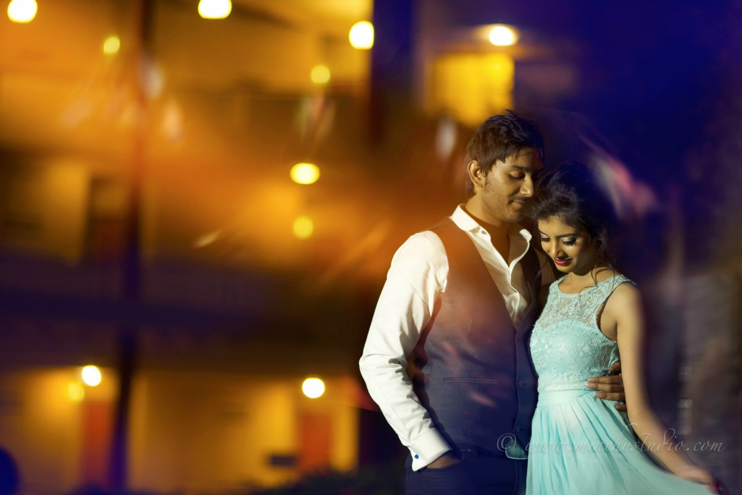 Photo with Couple by Minchu Studio Wedding-photography | Weddings Photos & Ideas