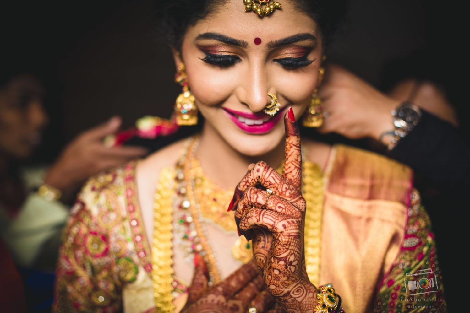 Graceful Bride by Minchu Studio Wedding-photography Bridal-mehendi Bridal-jewellery-and-accessories | Weddings Photos & Ideas