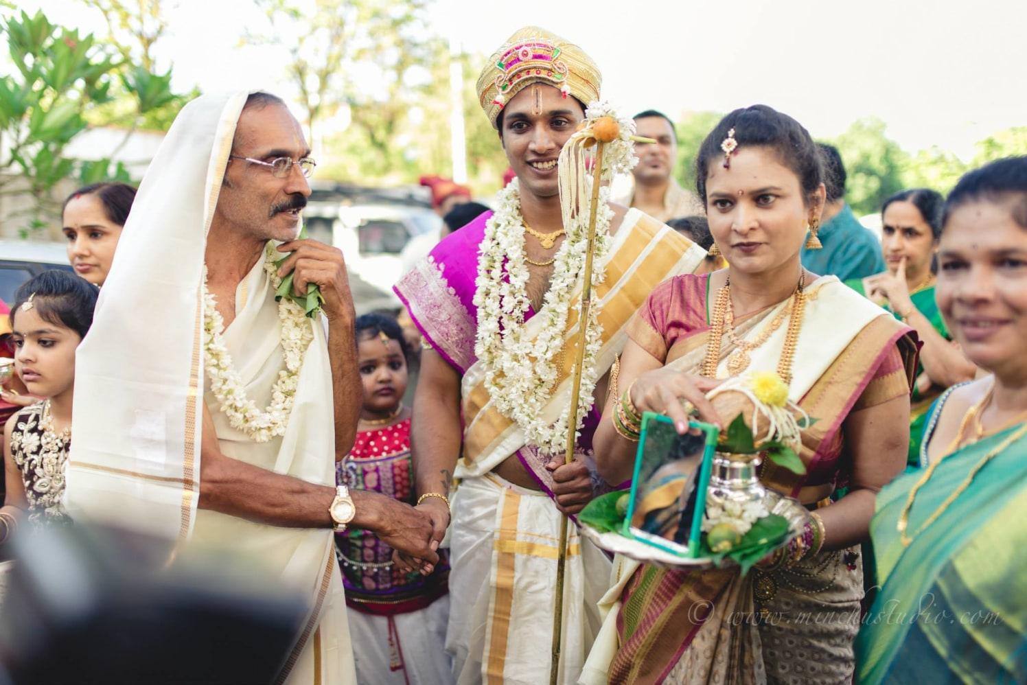 Groom's Arrival by Minchu Studio Wedding-photography | Weddings Photos & Ideas