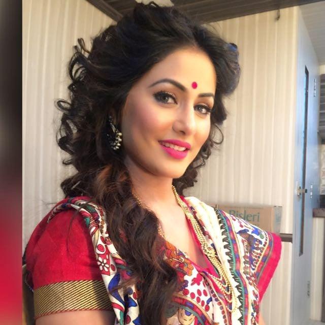 Bengali bride by Saba Sayed Bridal-makeup | Weddings Photos & Ideas