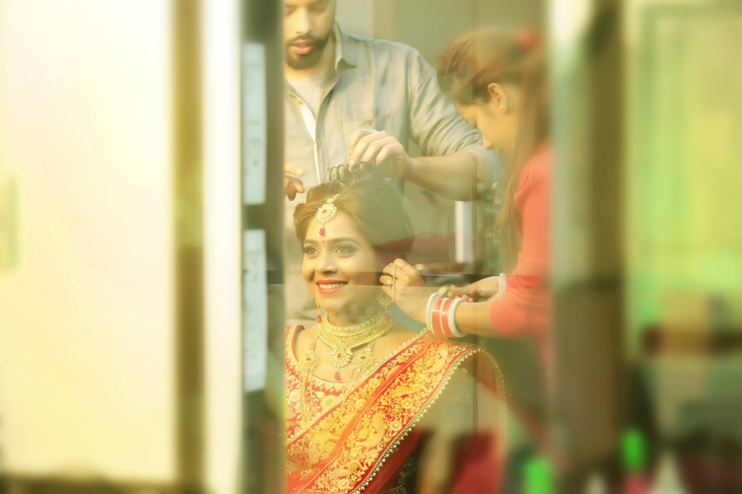 Bride Getting Ready For Her D-Day by Mukesh bijalwan  Wedding-photography Bridal-jewellery-and-accessories | Weddings Photos & Ideas