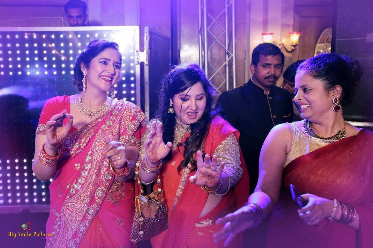 Dancing queens by Big smile pictures  Wedding-photography | Weddings Photos & Ideas