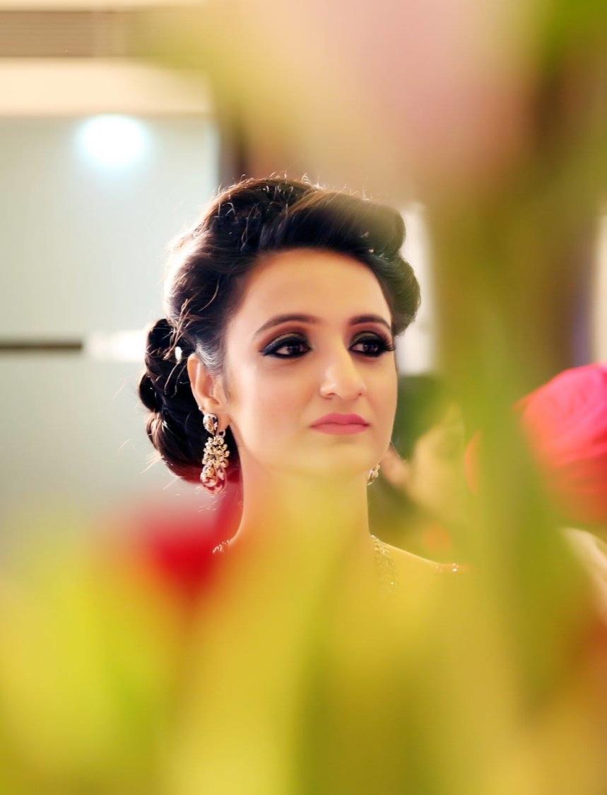 A Stunning Bride On Wedding Reception Day by Mukesh bijalwan  Wedding-photography Bridal-makeup   Weddings Photos & Ideas