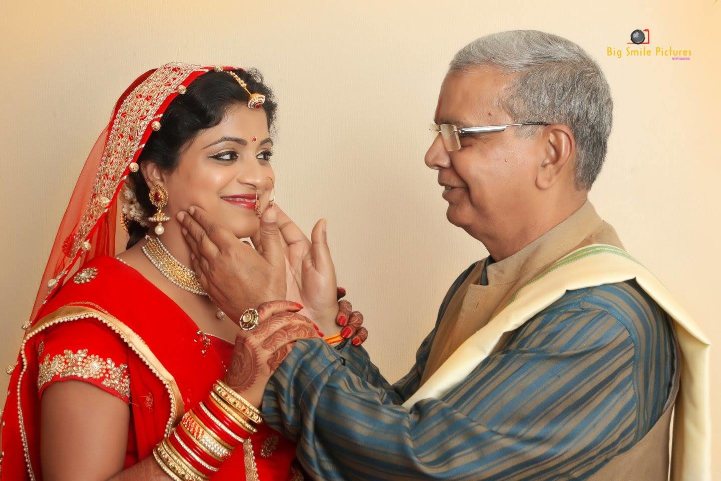 Bride With Her Father On Wedding Day by Mukesh bijalwan  Wedding-photography Bridal-jewellery-and-accessories | Weddings Photos & Ideas