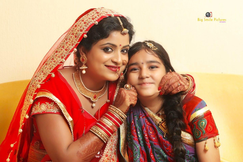 Bride Wearing Simple Bridal Jewellery by Mukesh bijalwan  Wedding-photography Bridal-jewellery-and-accessories Bridal-makeup   Weddings Photos & Ideas