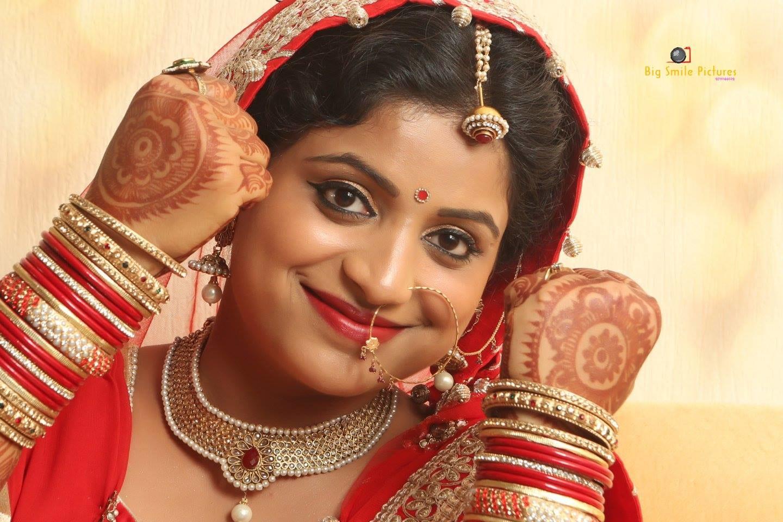 Bride Adorning Stunning Bridal Jewellery by Mukesh bijalwan  Wedding-photography Bridal-jewellery-and-accessories Bridal-makeup | Weddings Photos & Ideas