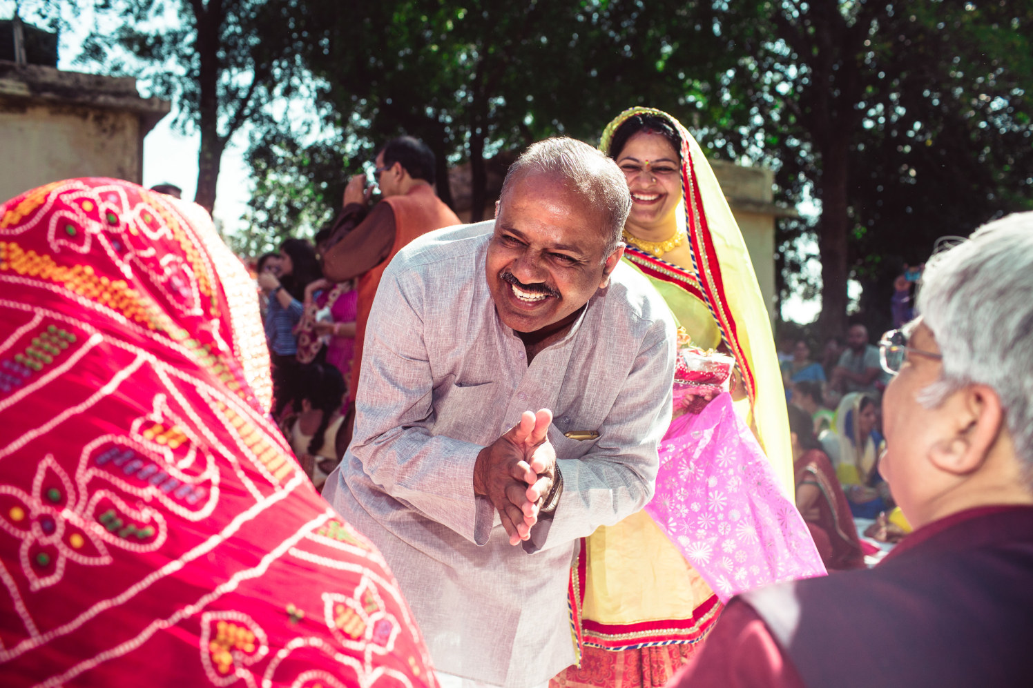 Happy greetings by Manas Saran Photography Wedding-photography | Weddings Photos & Ideas