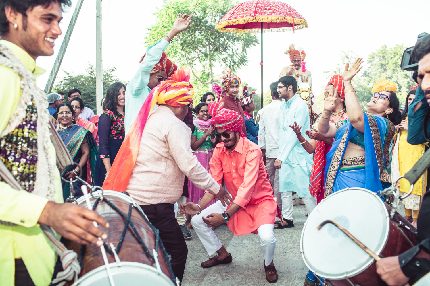Dancing on wedding rhythm by Manas Saran Photography Wedding-photography | Weddings Photos & Ideas