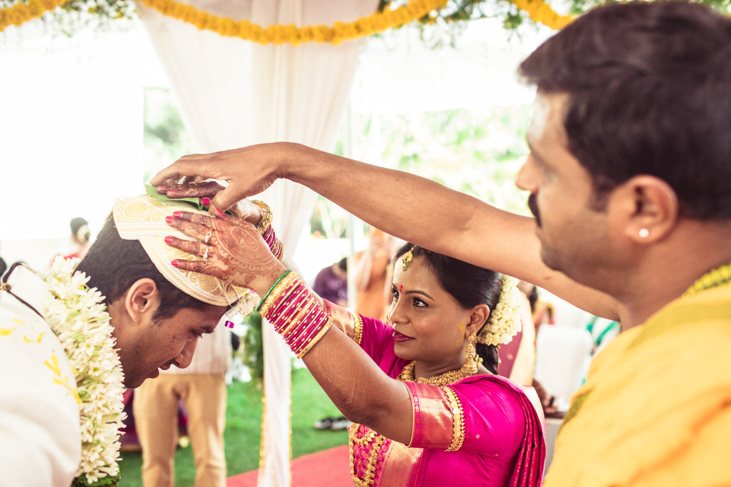 Encapturing the wedding traditions! by Manas Saran Photography Wedding-photography | Weddings Photos & Ideas