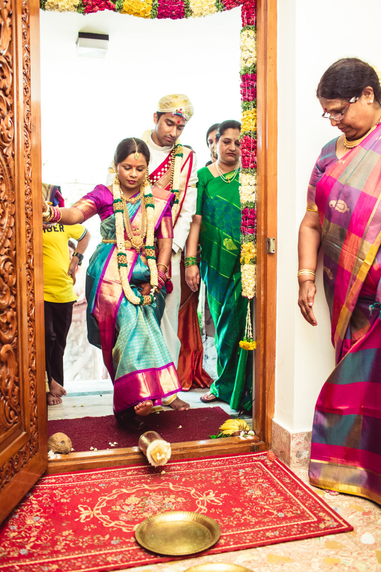 Ghripravesh of a bride! by Manas Saran Photography Wedding-photography | Weddings Photos & Ideas