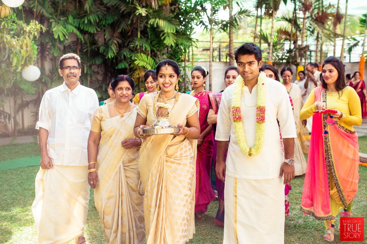 Arriving at her doorstep like by Manas Saran Photography Wedding-photography | Weddings Photos & Ideas