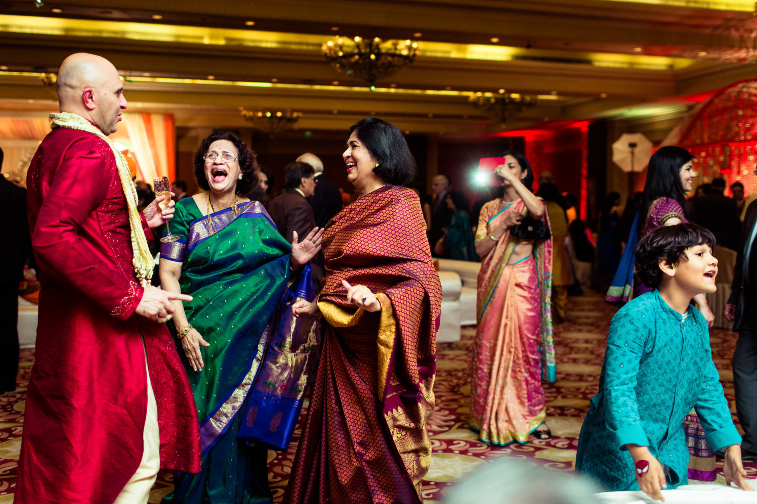 Wedding guests! by Manas Saran Photography Wedding-photography | Weddings Photos & Ideas