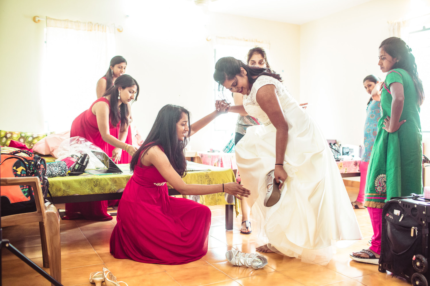 Those sparkly whites! by Manas Saran Photography Wedding-photography | Weddings Photos & Ideas