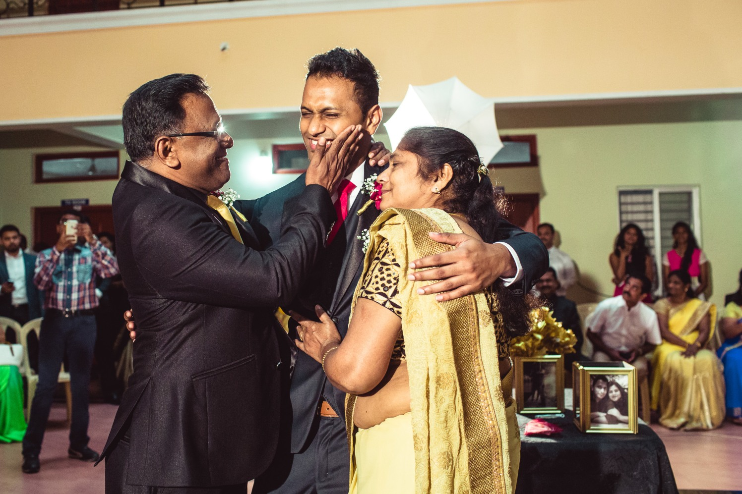 Grooms family! by Manas Saran Photography Wedding-photography | Weddings Photos & Ideas