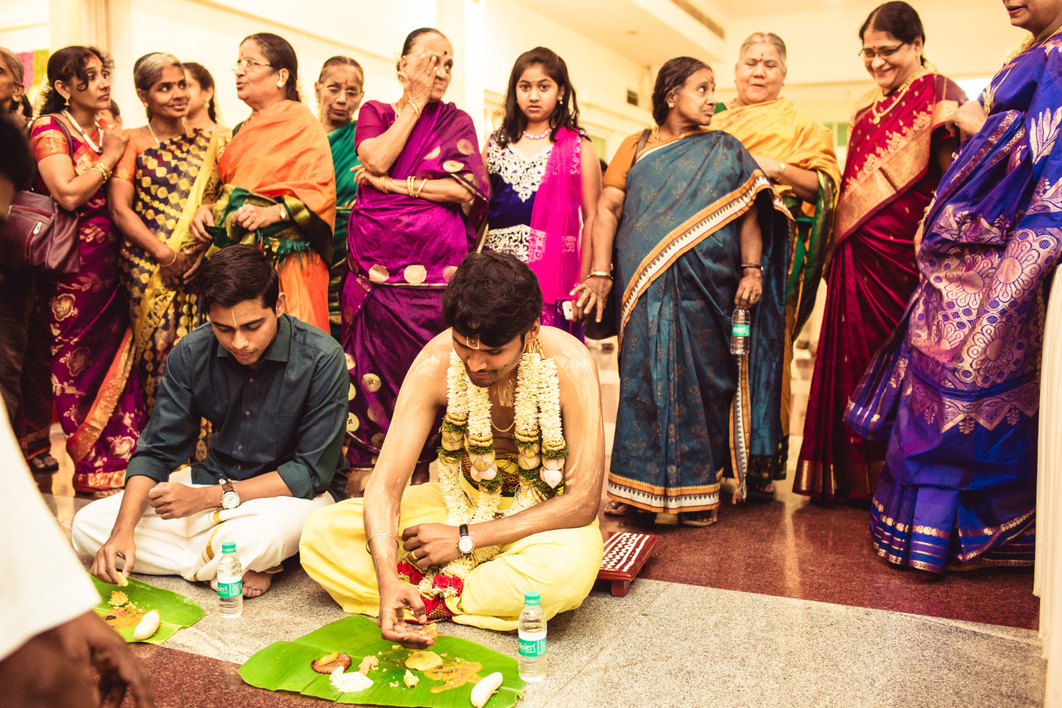 Setting up the rituals! by Manas Saran Photography Wedding-photography | Weddings Photos & Ideas
