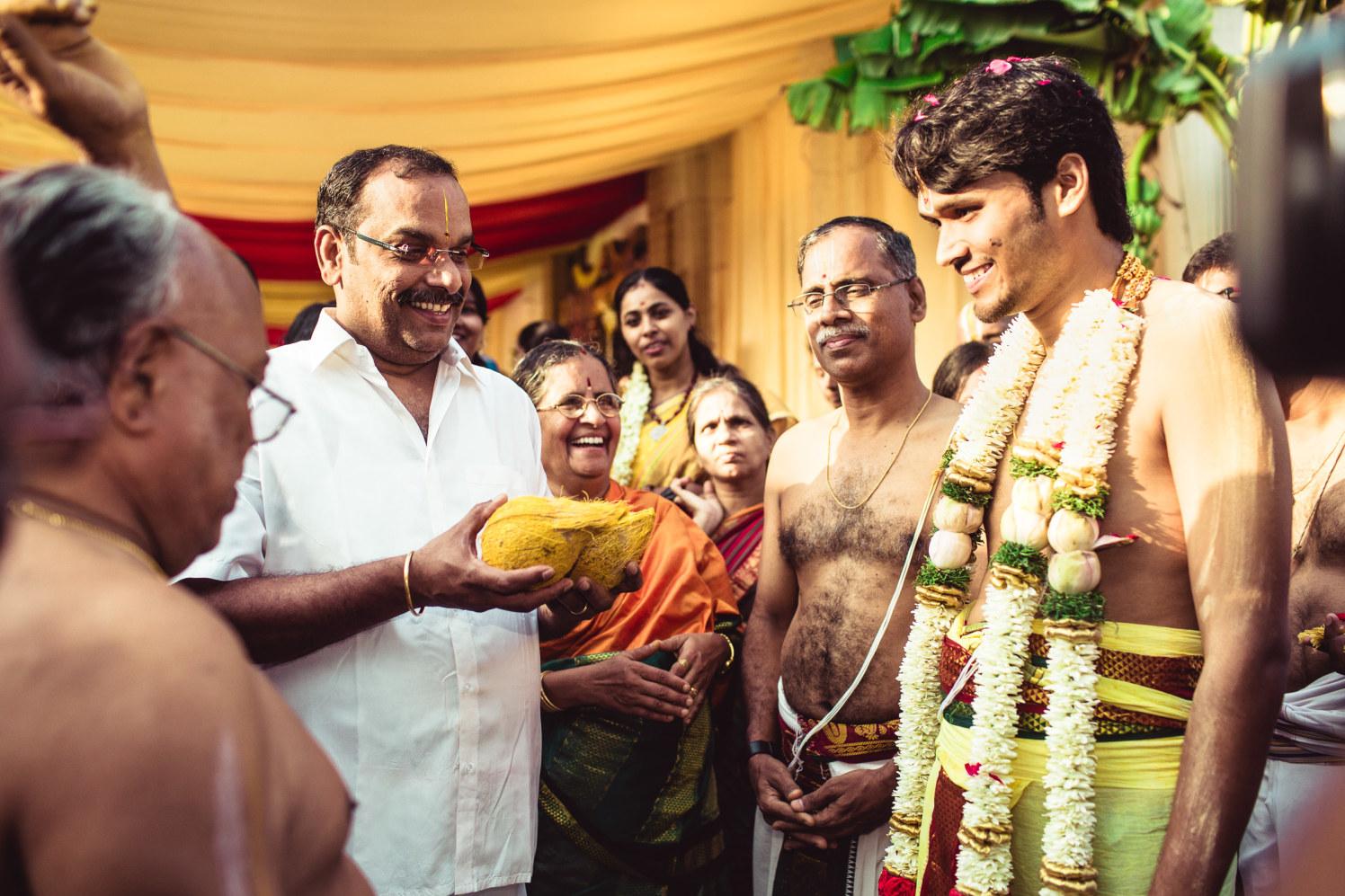 Ritualistic furor! by Manas Saran Photography Wedding-photography | Weddings Photos & Ideas