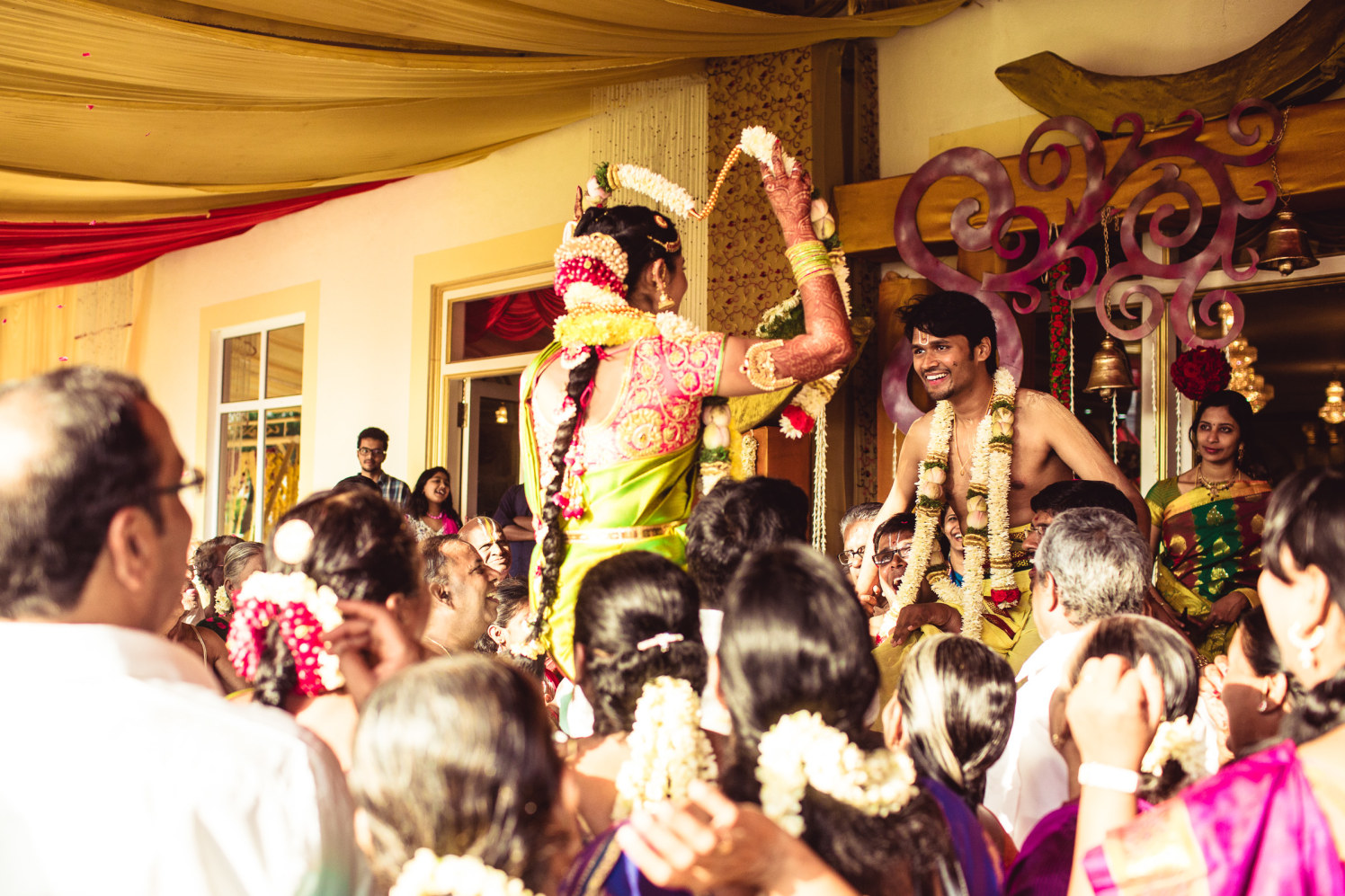 The garlands of love! by Manas Saran Photography Wedding-photography | Weddings Photos & Ideas