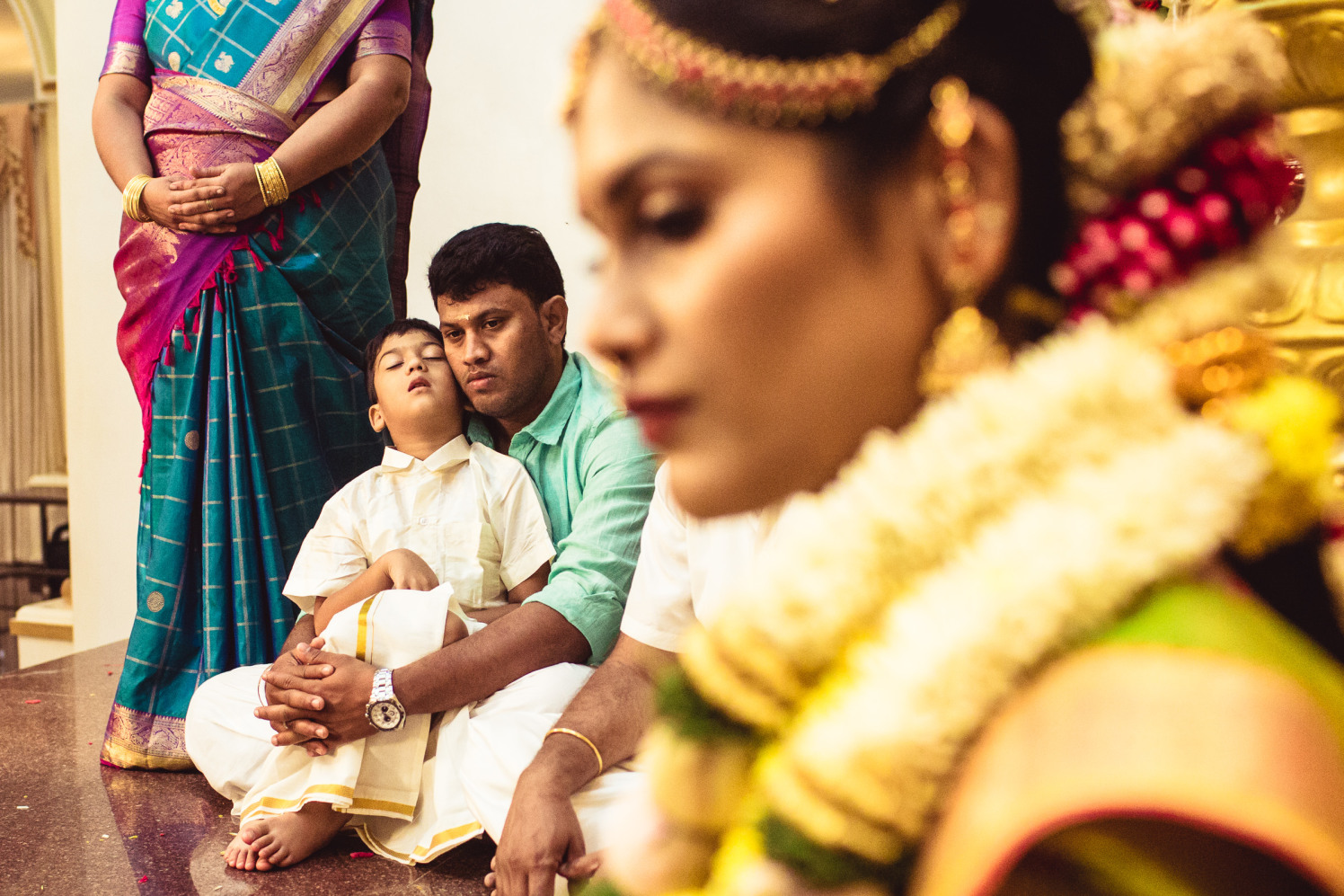 Candid shot of the guests! by Manas Saran Photography Wedding-photography | Weddings Photos & Ideas