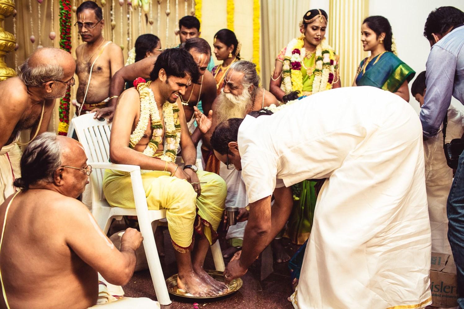 The wedding rituals! by Manas Saran Photography Wedding-photography   Weddings Photos & Ideas
