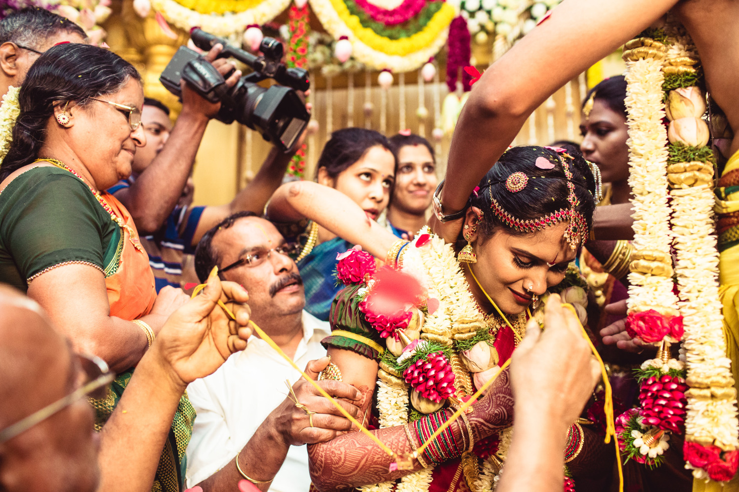 Into the traditional furor! by Manas Saran Photography Wedding-photography | Weddings Photos & Ideas