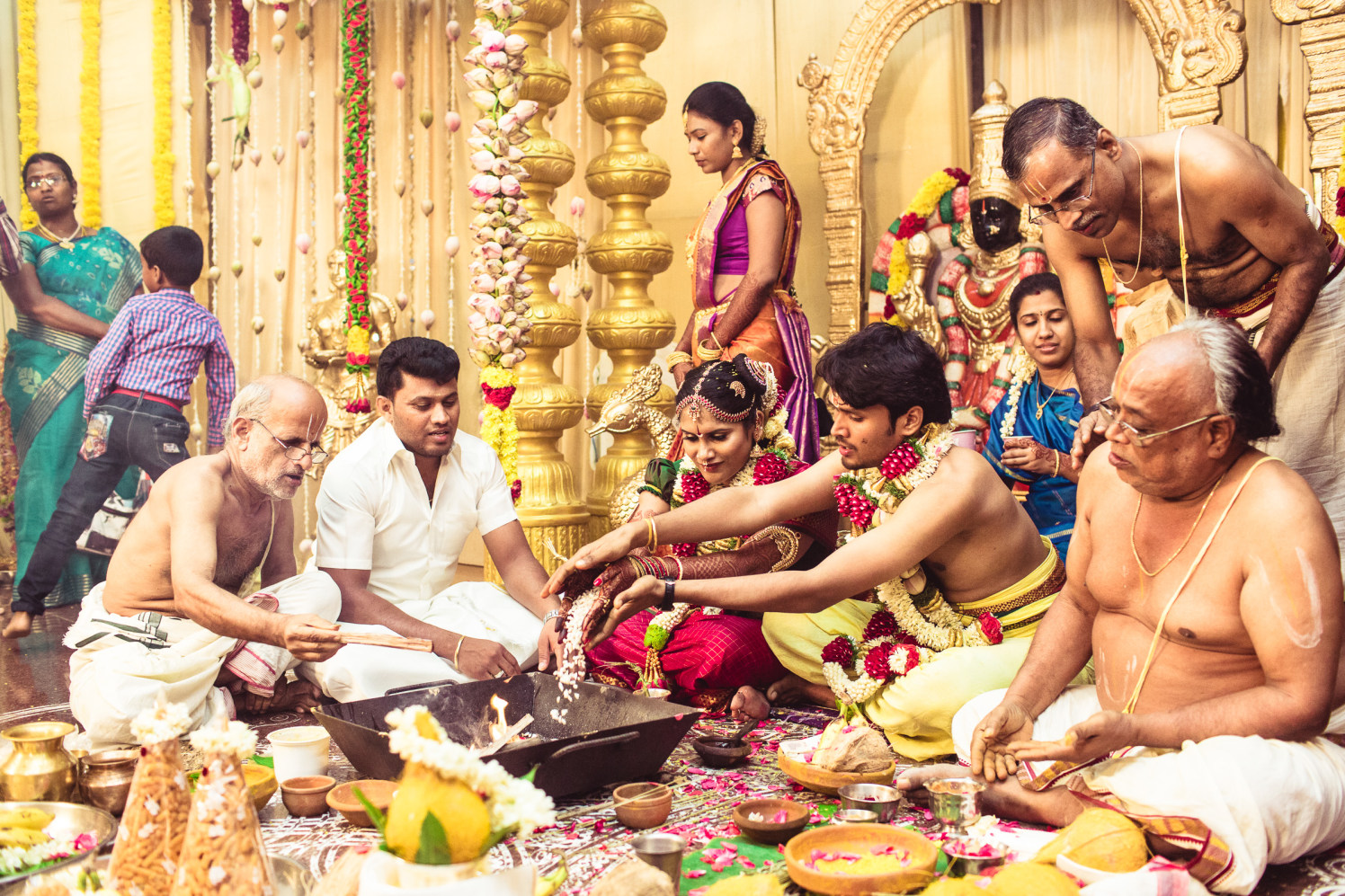 Following the rituals! by Manas Saran Photography Wedding-photography | Weddings Photos & Ideas