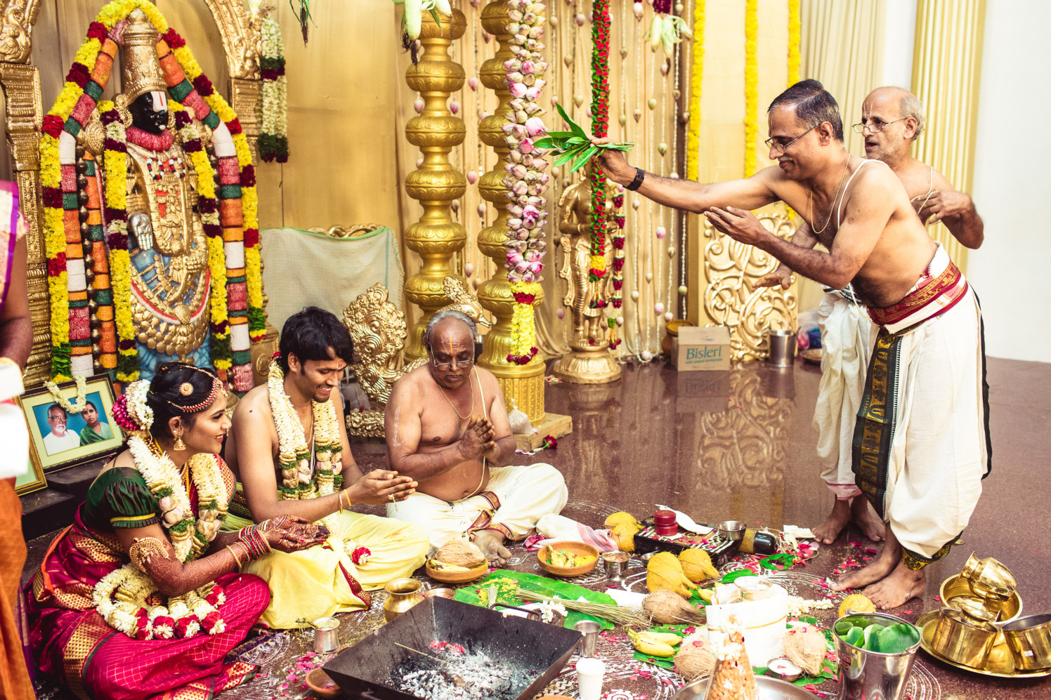 Lets begin the rituals! by Manas Saran Photography Wedding-photography | Weddings Photos & Ideas