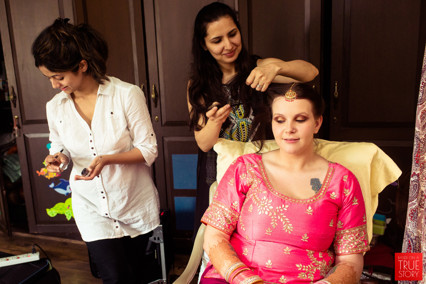 The brides getting ready! by Manas Saran Photography Wedding-photography | Weddings Photos & Ideas