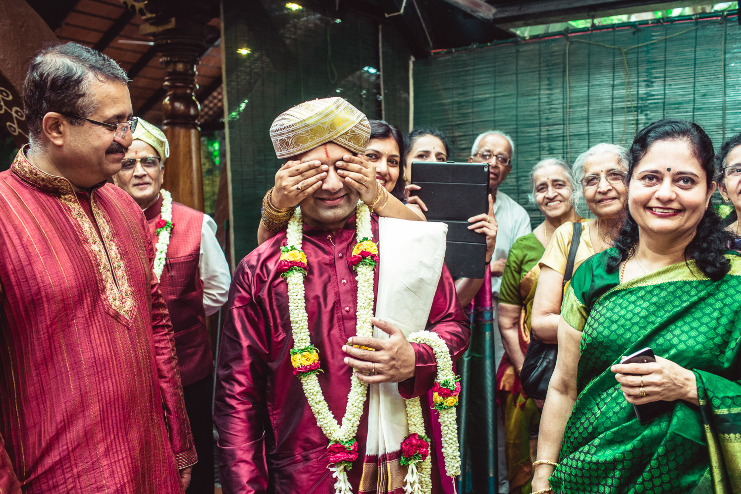Get ready for the bride! by Manas Saran Photography Wedding-photography | Weddings Photos & Ideas
