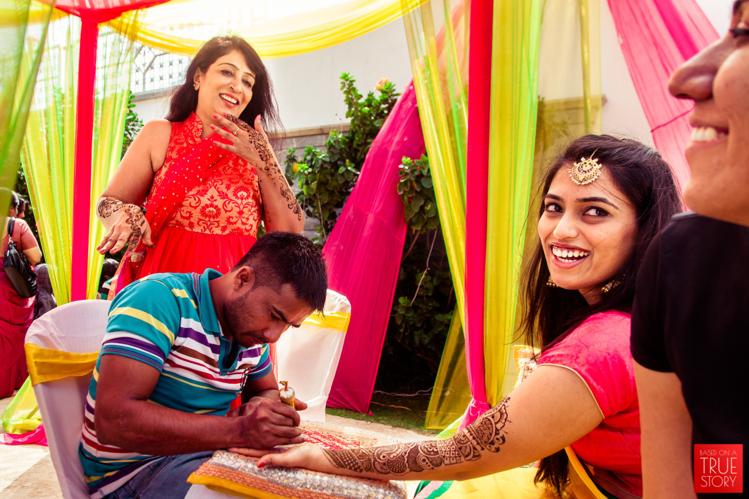 Getting the heena done! by Manas Saran Photography Wedding-photography | Weddings Photos & Ideas