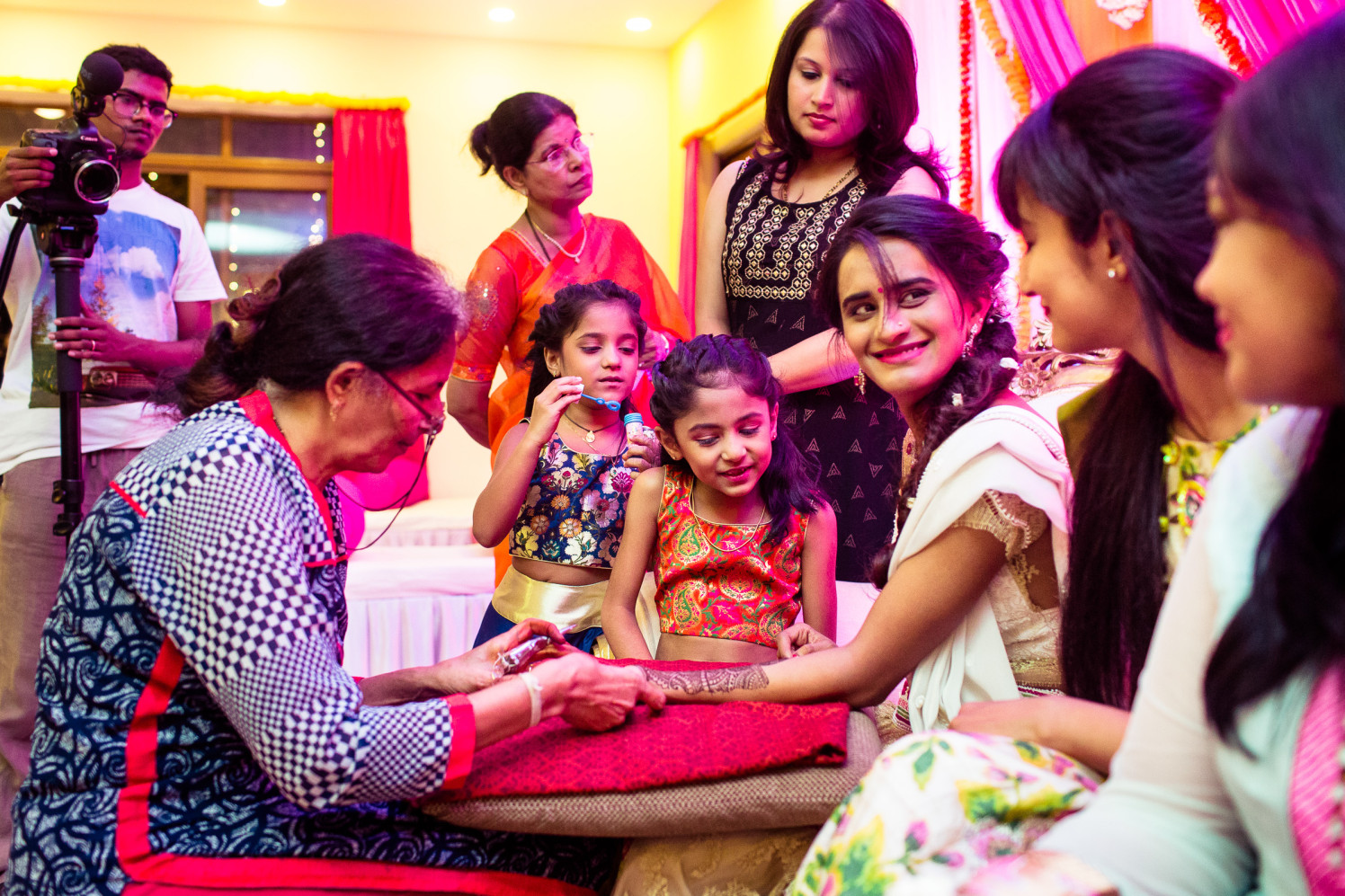 Mehendi virtues! by Manas Saran Photography Wedding-photography | Weddings Photos & Ideas