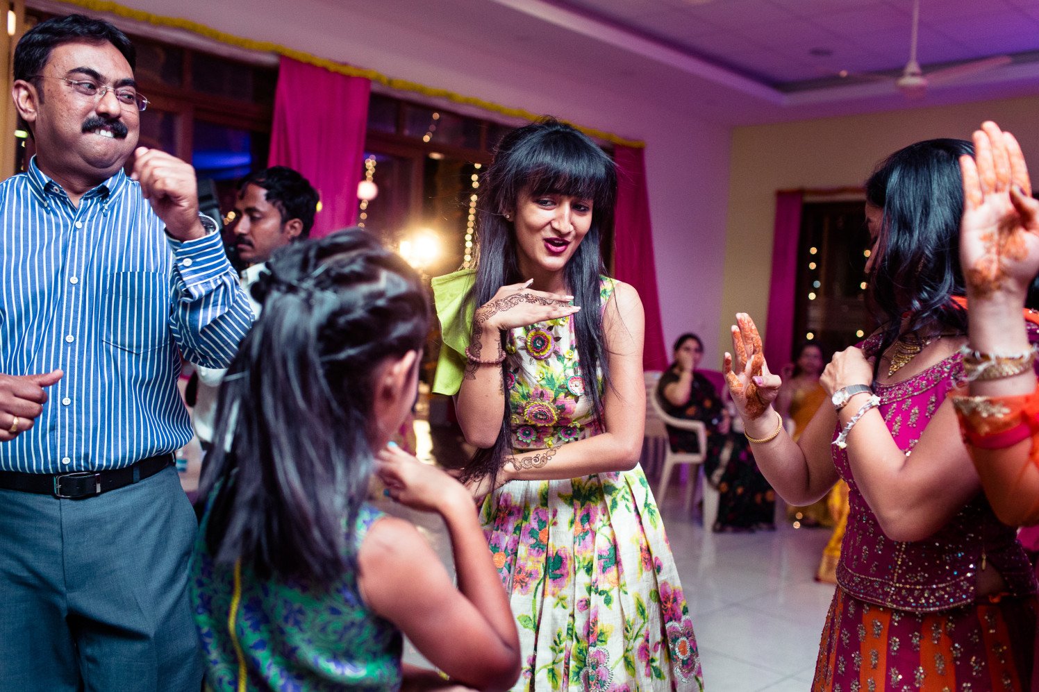 Dance and joys! by Manas Saran Photography Wedding-photography | Weddings Photos & Ideas