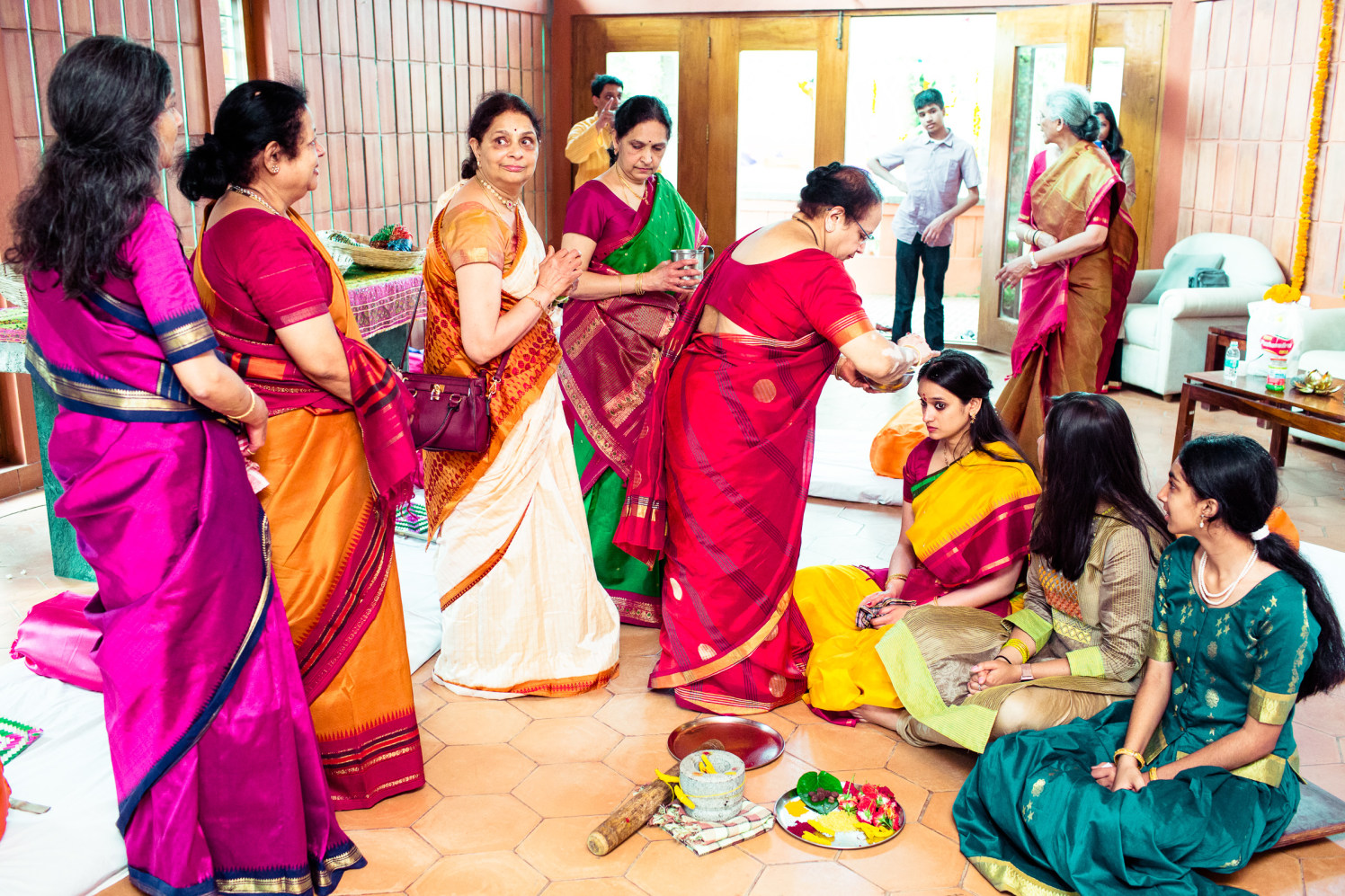 Traditional grip! by Manas Saran Photography Wedding-photography | Weddings Photos & Ideas