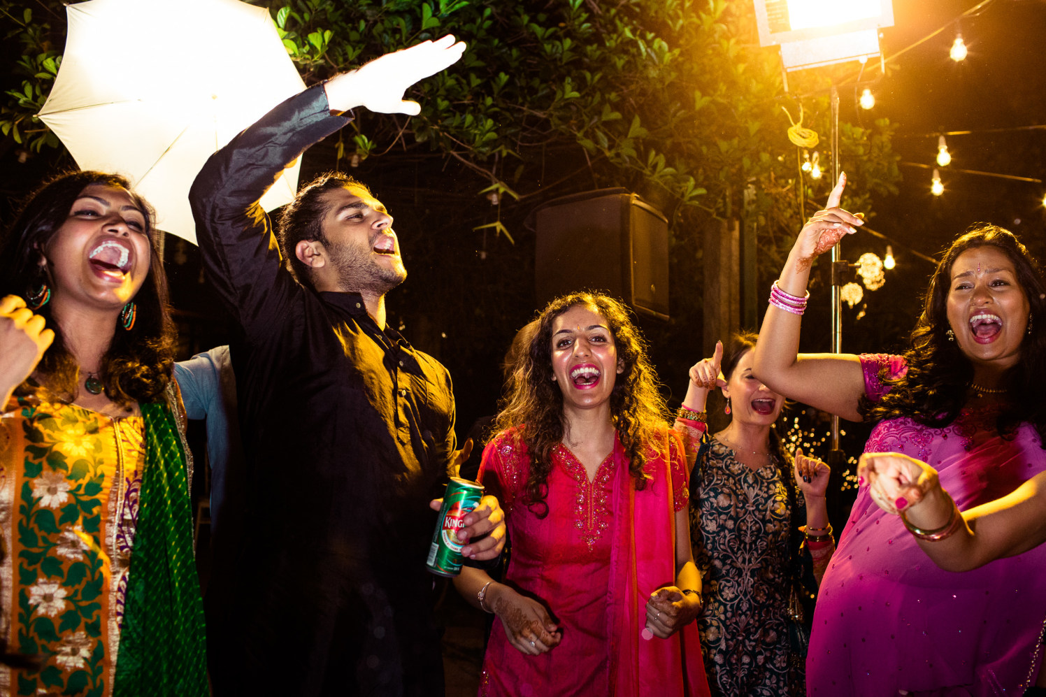 We only wanna party! by Manas Saran Photography Wedding-photography | Weddings Photos & Ideas