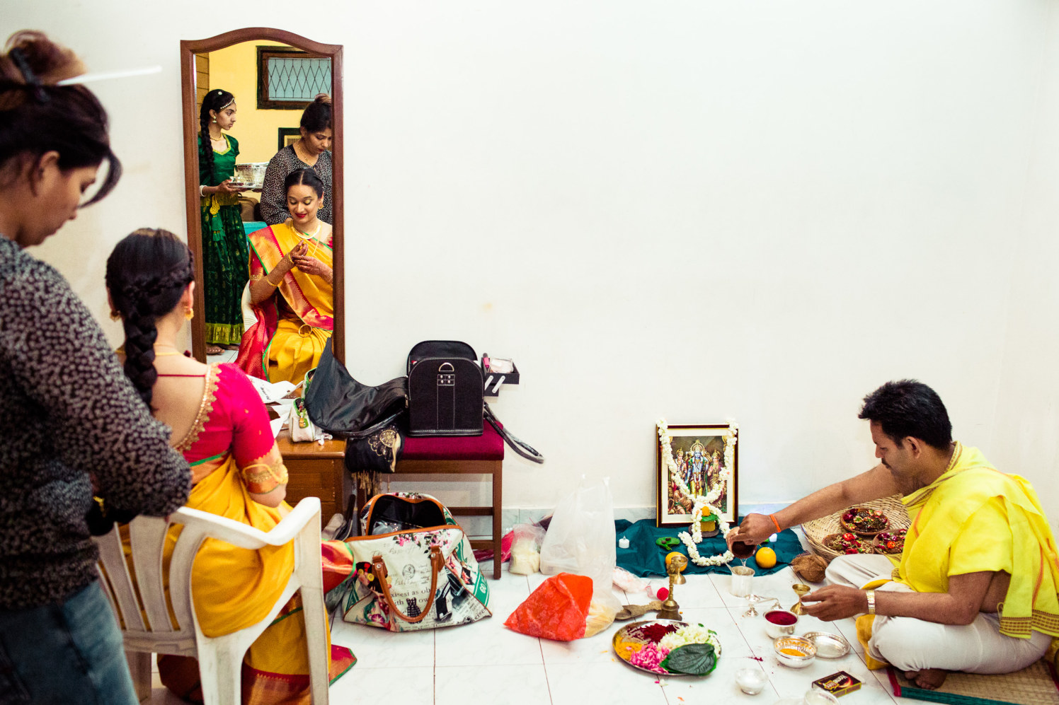 Onset of the pooja! by Manas Saran Photography Wedding-photography   Weddings Photos & Ideas