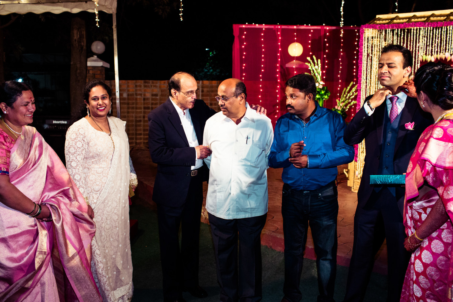 Wedding guests! by Manas Saran Photography Wedding-photography | Weddings Photos & Ideas