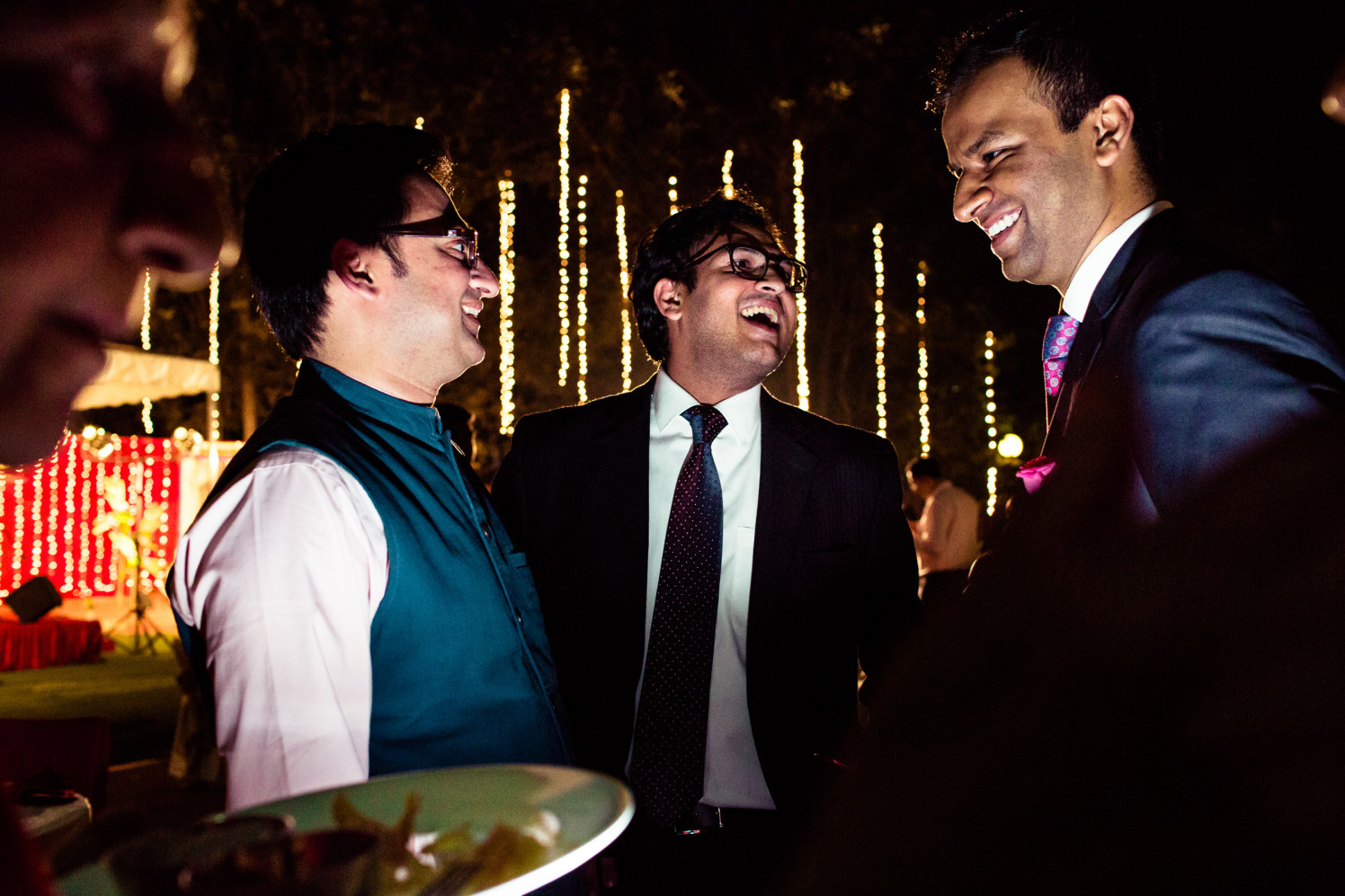 All so chatty! by Manas Saran Photography Wedding-photography | Weddings Photos & Ideas