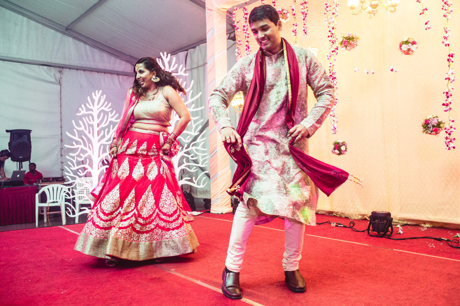 Swirling on beats of love by Manas Saran Photography Wedding-photography | Weddings Photos & Ideas