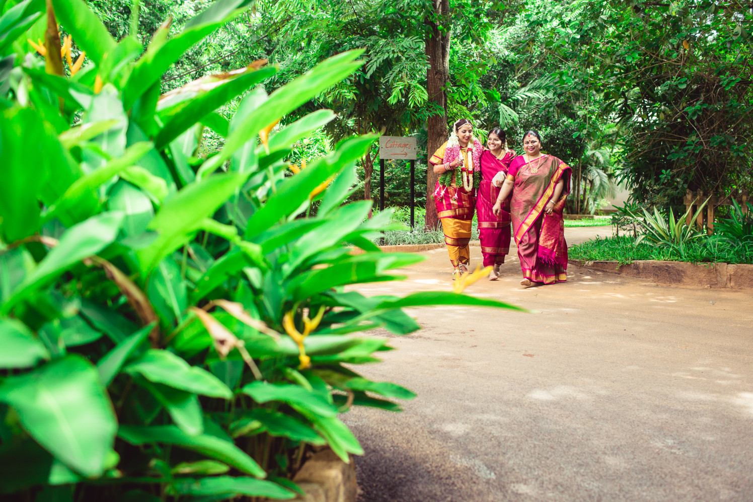 Enticing allure incoming by Manas Saran Photography Wedding-photography | Weddings Photos & Ideas