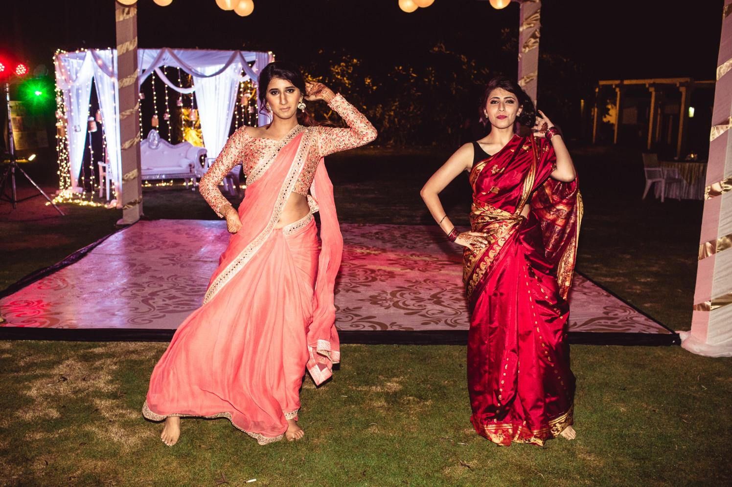 Dancing divas by Manas Saran Photography Wedding-photography | Weddings Photos & Ideas