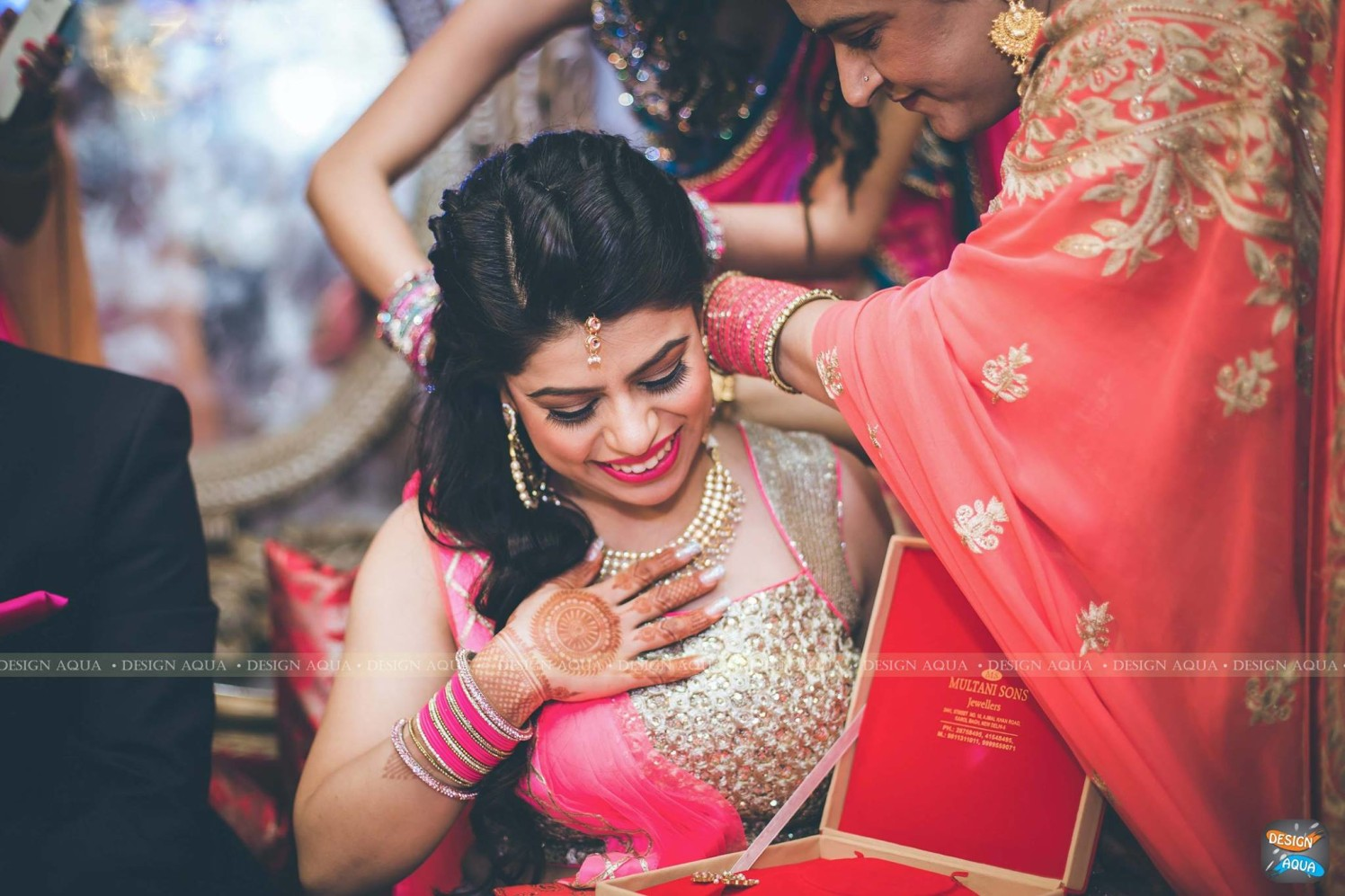Subtle Grey Eye Makeup With Bright Pink Lips Worn By the Bride by Priyanka Kamboj Wedding-photography Bridal-mehendi Bridal-jewellery-and-accessories Bridal-makeup | Weddings Photos & Ideas