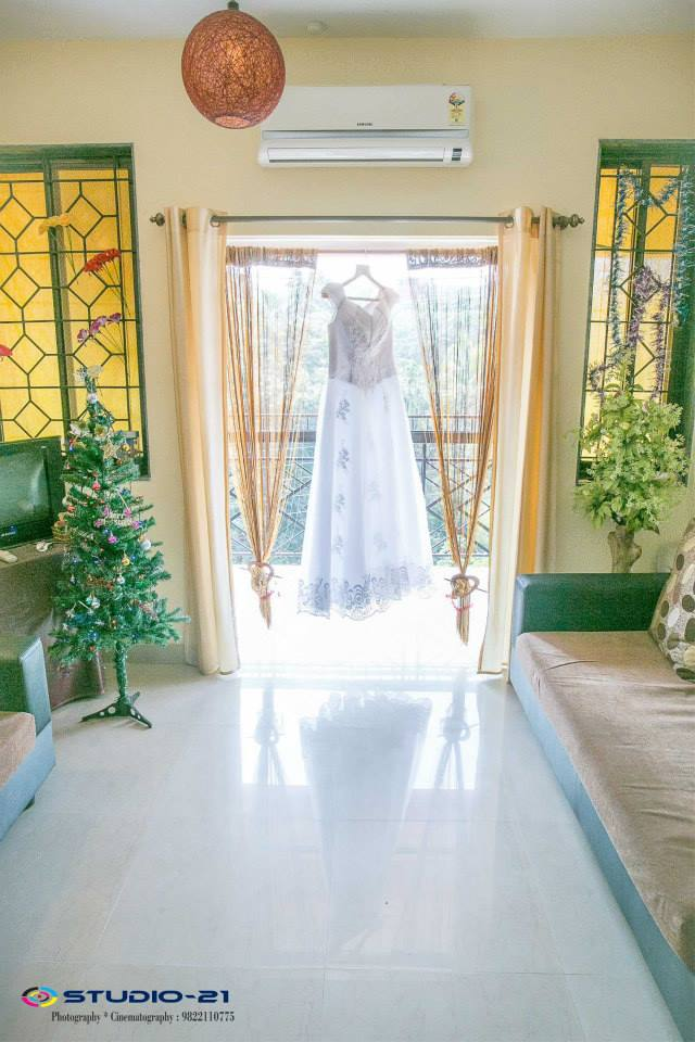 Bride's ensemble by Terence Pimenta Photography Wedding-photography | Weddings Photos & Ideas
