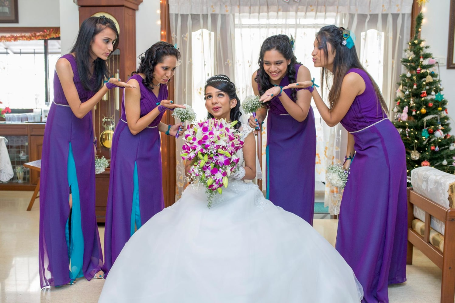 Flaunting on her big day! by Terence Pimenta Photography Wedding-photography | Weddings Photos & Ideas