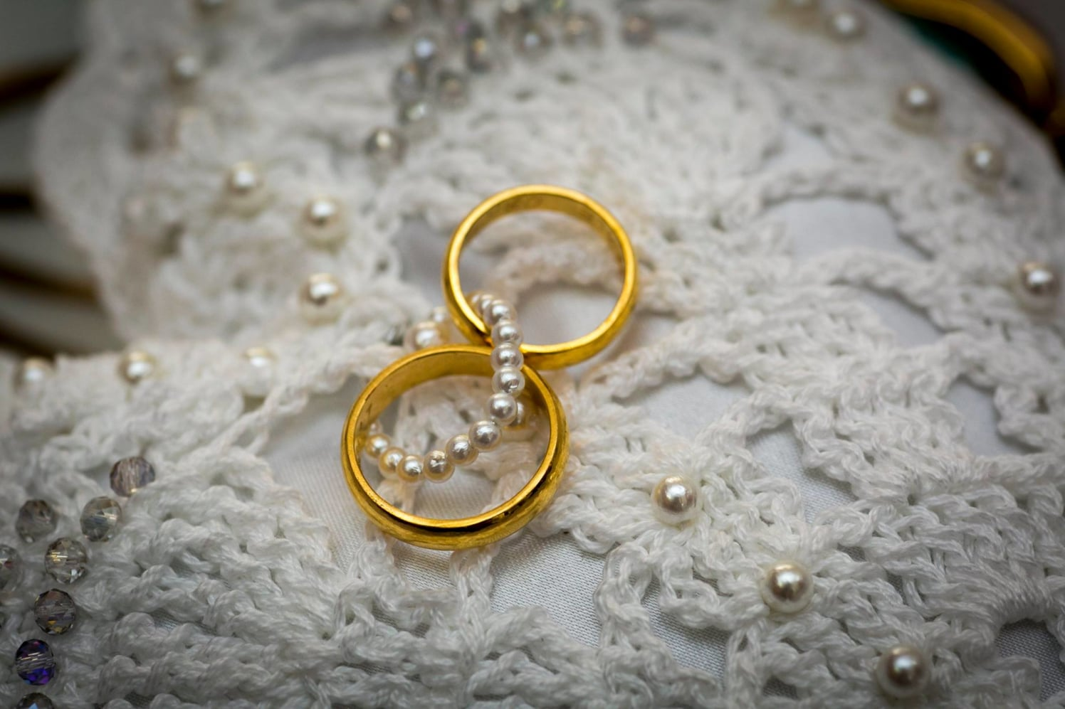 Sleek Gold Engagement Rings For Bride And Groom by Terence Savio Pimenta Wedding-photography | Weddings Photos & Ideas