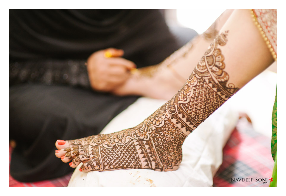 Floral Henna Design For Feet by Navdeep Soni Wedding-photography Bridal-mehendi | Weddings Photos & Ideas
