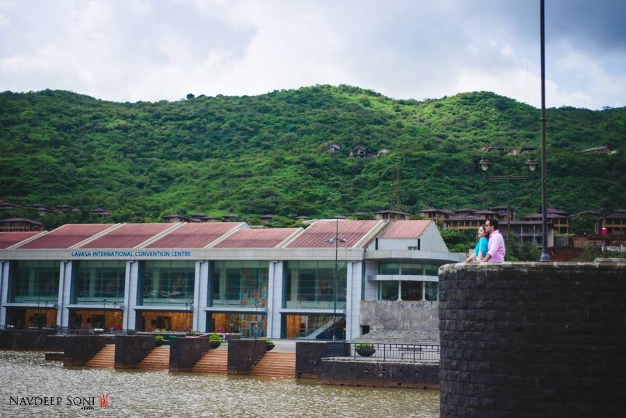 The Hill Station Themed Pre-Wedding Shoot In The Scenic Beauty Of Lavasa by Navdeep Soni Wedding-photography | Weddings Photos & Ideas
